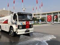 Akhisar Belediyesi, cadde ve sokakları da dezenfekte ediyor