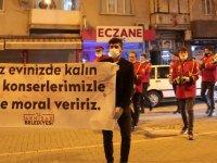Akhisar Belediye Bandosundan Moral Konseri ve 'Evde Kal' Çağrısı