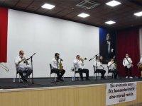 Akhisar Belediyesi Canlı Yayın Konseri ile vatandaşlara moral verdi