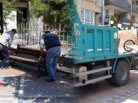 Akhisar'da oturma bankları kaldırıldı