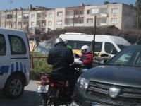 Akhisar İlçe Emniyet'ten koronavirüs tedbirlerine uymayanlara sürücülere ceza