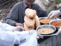 Din görevlilerinden mahalleye sıcak yemek