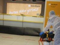 Akhisar Vakıfbank şubeleri dezenfekte oldu