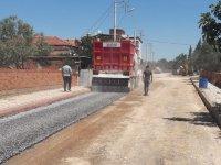 Akhisar Belediyesi bir haftada 16 bin metrekare sathi kaplama yaptı