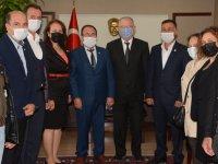 Akhisarlı muhtarlar Kaymakam ve Belediye Başkanını ziyaret etti
