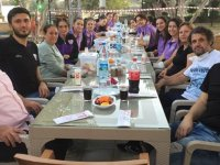 Balkan Sofrasından Voleybolcu kadınlara jest