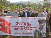 Akhisar Belediyesi, Cumhuriyetin 97. Yılında 97 fidan ekti
