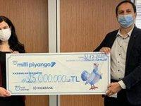 25 milyon TL ikramiye kazanan talihli çekini teslim aldı