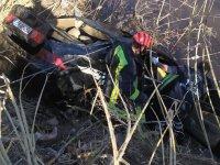 Otomobil dereye uçtu: 1 kişi hayatını kaybetti!