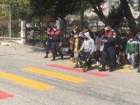 Jandarma'dan kırmızı çizgi uygulaması