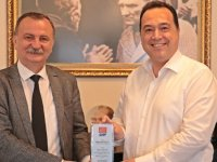 CHP İl Başkanından Başkan Dutlulu'ya Destek Ziyareti ve Teşekkür Plaketi