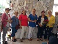 CHP Kadınlar Kolu Hayat Boyu Öğrenme Sergisini ziyaret etti