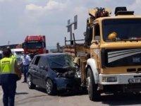 Akhisar'da vince arkadan çarpan araç sürücüsü ağır yaralandı