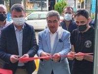 Kılavuz Berber salonu yenilenmiş yüzü ile hizmete açıldı