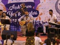 Akhisar Belediyesi açık hava yaz konserleri büyük ilgi görüyor