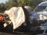 Otomobil ve motosiklet kafa kafaya çarpıştı! 1 yaralı