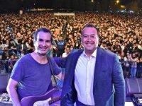 Mor ve Ötesi'nden Akhisar'da Muhteşem Konser