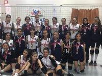 Cumhuriyet Kupası voleybol müsabakalarında şampiyon Çağlak Anadolu lisesi