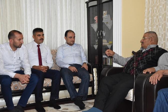 ak-parti-manisa-milletvekili-baybatur,-hem-tavaf-yaptik,-hem-de-seytan-tasladik-(5).jpg
