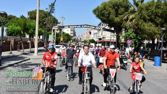 akhisar'da-bisikletciler-saglikli-yasam-icin-bulusuyor-(1).jpg