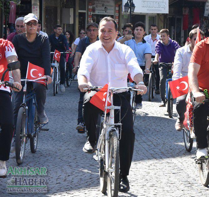 akhisar'da-bisikletciler-saglikli-yasam-icin-bulusuyor-(2).jpg
