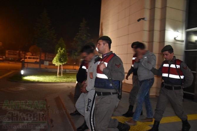 akhisar'da-jandarma-ekipleri-hayvan-hirsizlari-sebekesini-cokertti-(3).jpg