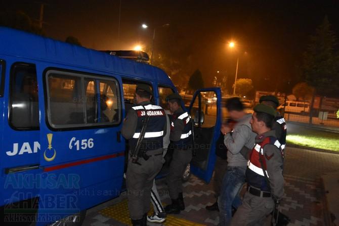 akhisar'da-jandarma-ekipleri-hayvan-hirsizlari-sebekesini-cokertti-(5).jpg
