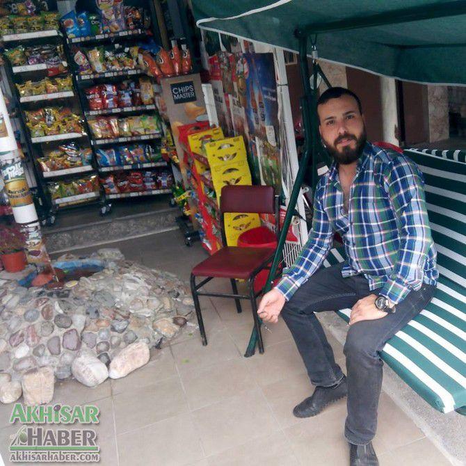 akhisar'da-motosiklet-kazasi-1-olu-1-yarali.jpg