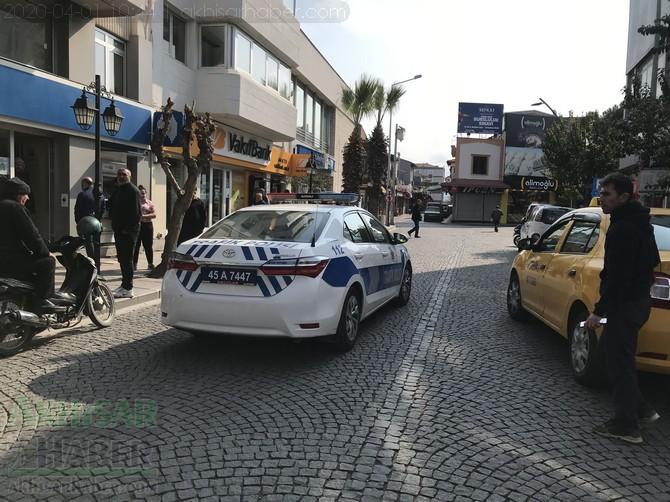 akhisar'da-polis-evde-kal-cagrisi-yapti-(4).jpg