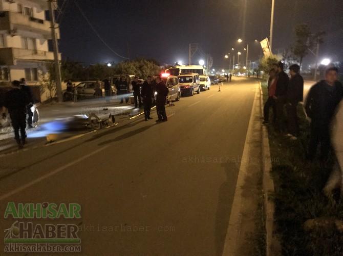 akhisar'da-sehir-merkezinde-kaza-1-kisi-hayatini-kaybetti-(1).jpg