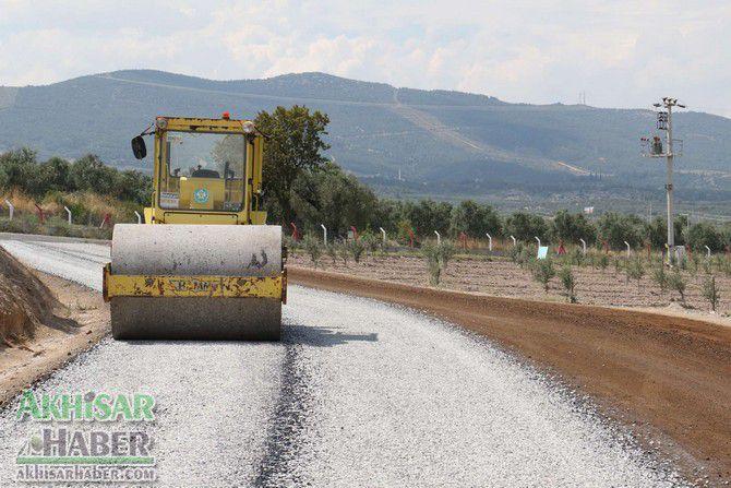 akhisar'in-baglanti-yollarina-asfalt-(2).jpg
