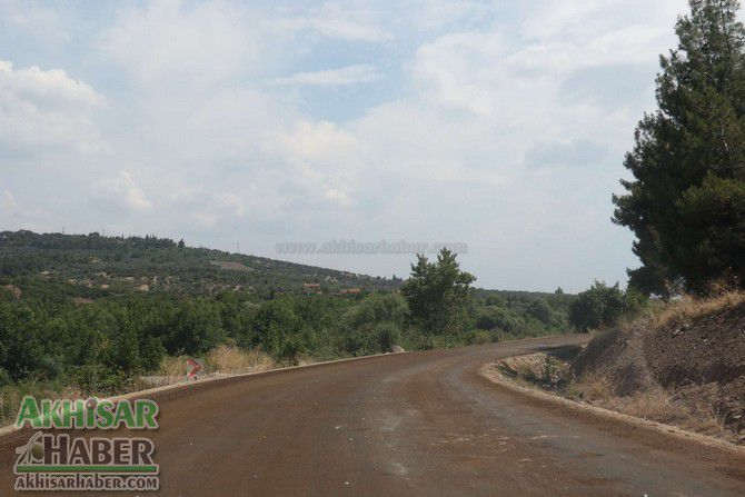 akhisar'in-baglanti-yollarina-asfalt-(7).jpg