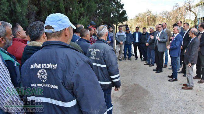 akhisar-belediye-baskani-besim-dutlulu,-belediye-personeline-olan-onceki-doneme-ait-tum-borclari-odedi-(3).jpg