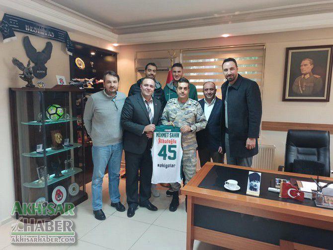 akhisar-belediye-basketbol-takimindan-protokol-ziyaretleri-(2).jpg