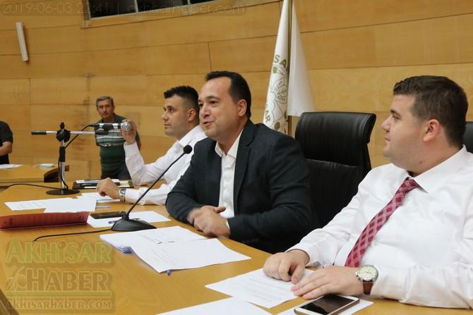 akhisar-belediye-meclisi,-bayramdan-sonraya-ertelendi-(10).jpg