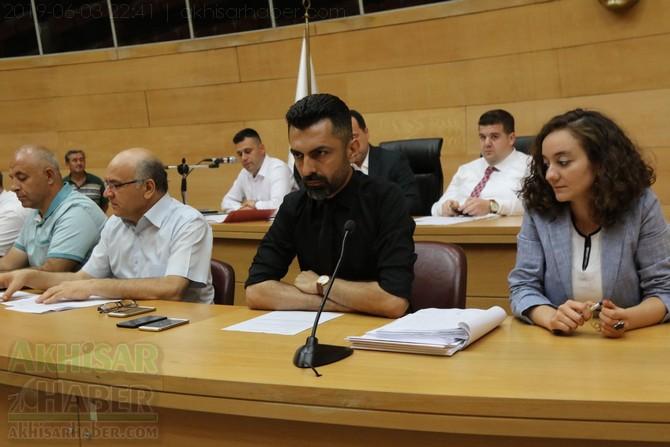 akhisar-belediye-meclisi,-bayramdan-sonraya-ertelendi-(11).jpg