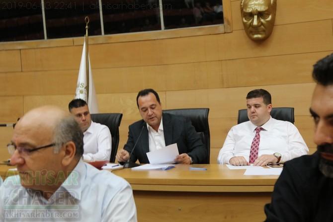 akhisar-belediye-meclisi,-bayramdan-sonraya-ertelendi-(2).jpg