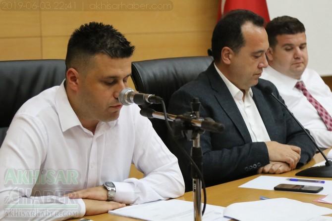 akhisar-belediye-meclisi,-bayramdan-sonraya-ertelendi-(3).jpg