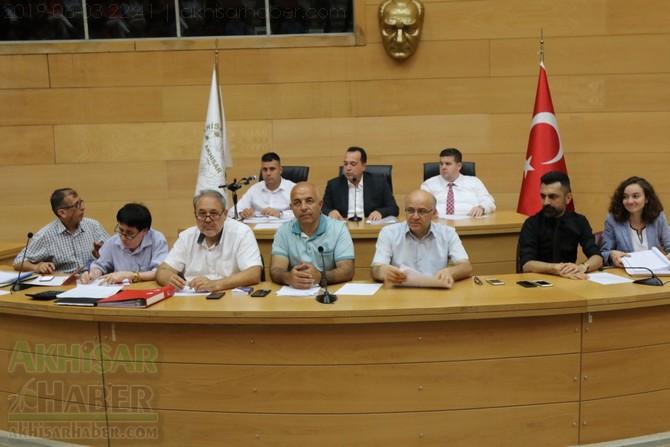 akhisar-belediye-meclisi,-bayramdan-sonraya-ertelendi-(4).jpg