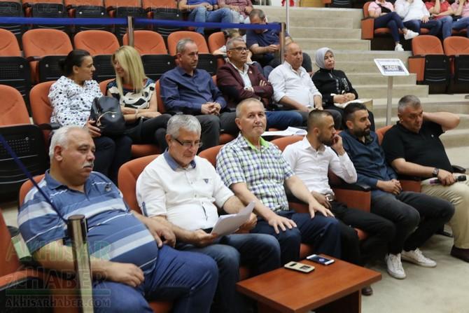 akhisar-belediye-meclisi,-bayramdan-sonraya-ertelendi-(6).jpg