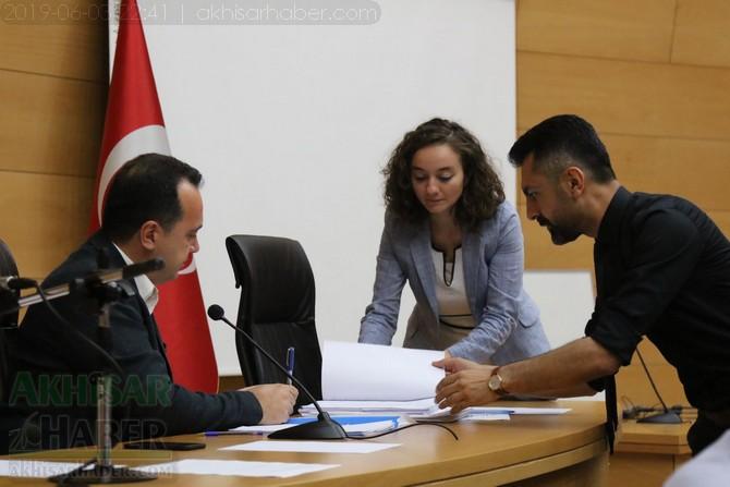 akhisar-belediye-meclisi,-bayramdan-sonraya-ertelendi-(8).jpg