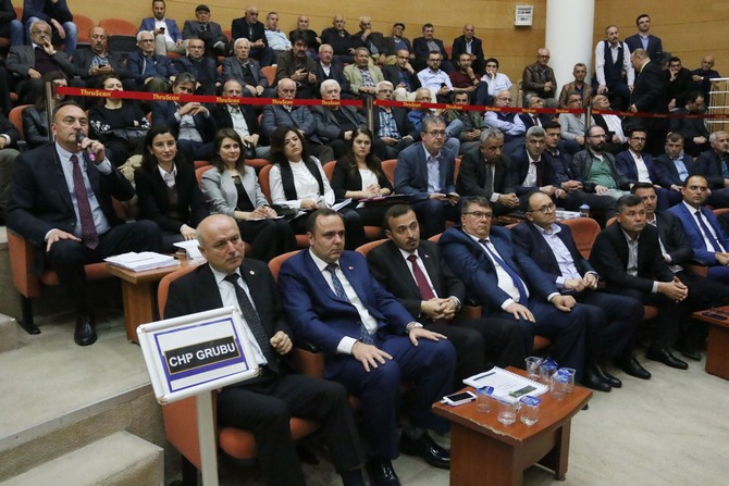 akhisar-belediye-meclisinde-cumhur-ittifaki-ayrildi-(3).jpg