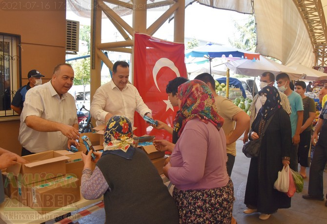 akhisar-belediye-pazaryeri-dondurma-(11).jpg