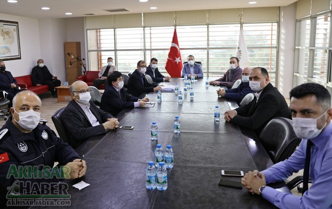 akhisar-belediyesi'nden-lokmaci-esnafina-nakdi-destek-(5).jpg