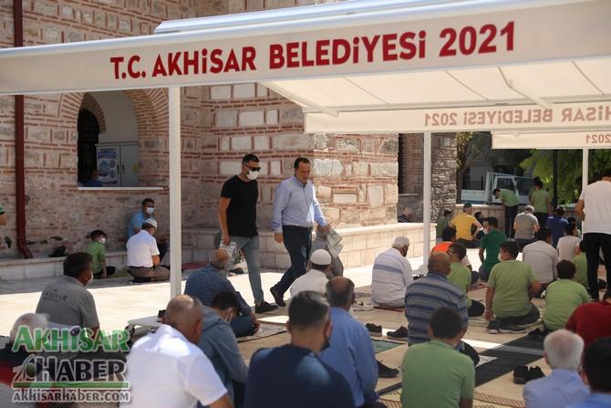 akhisar-belediyesi'nden-tarihi-camiye-tente-destegi-(9).jpg