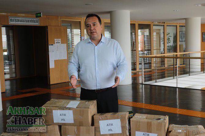 akhisar-belediyesi,-250-kilo-atik-pil-topladi-(3).jpg