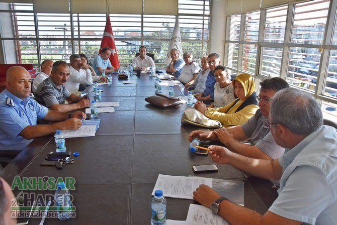 akhisar-belediyesi,-basibos-sokak-hayvanlari-icin-toplandi-(9).jpg