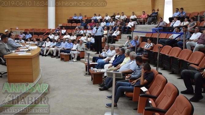 akhisar-belediyesi-2019-haziran-ayi-meclis-(2).jpg