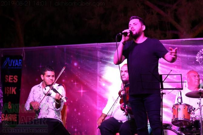 akhisar-belediyesi-acik-hava-konserleri-20-agustos-2019-sali-(16).jpg