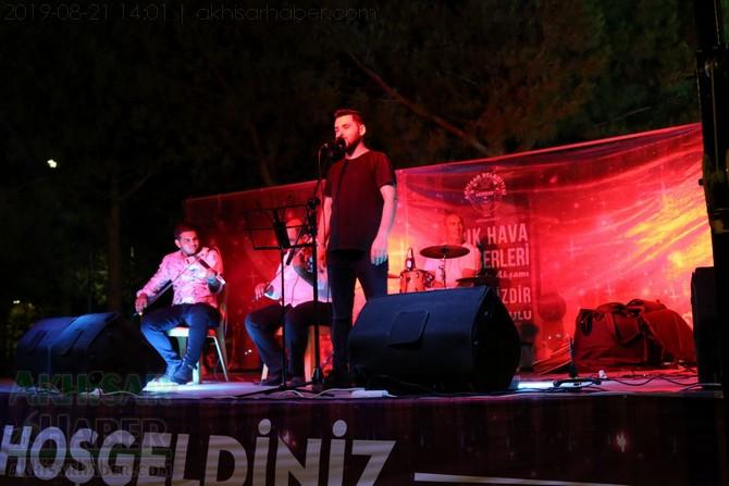 akhisar-belediyesi-acik-hava-konserleri-20-agustos-2019-sali-(25).jpg
